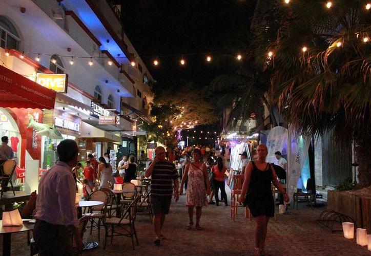 Llega en un vuelo a Cancún; Playa del Carmen se ubica a 45 minutos en auto. (Archivo/ SIPSE)