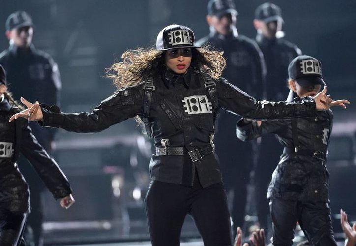 Ciara se vistió y como Janet Jackson para rendirle tributo. La cantante pop ganó el premio BET, por su trayectoria en la música. (Archivo/AP)