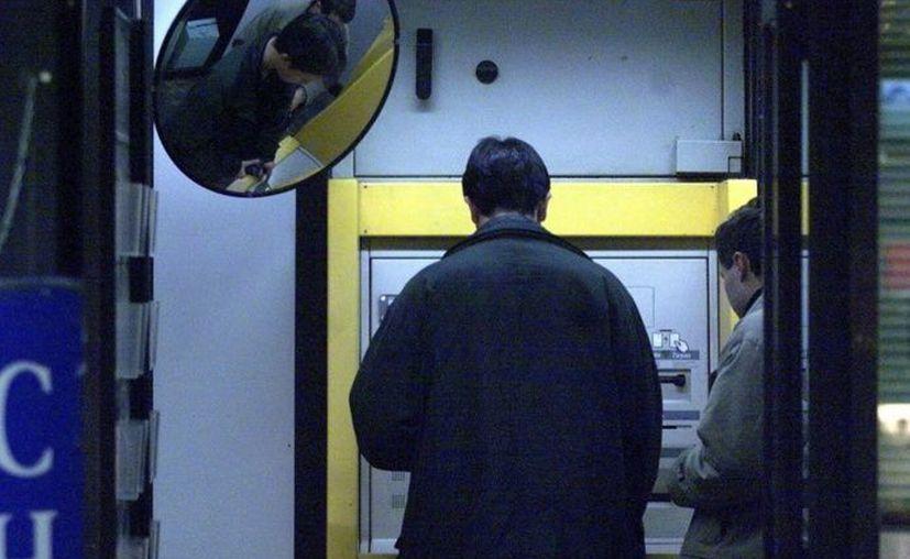 Un ladrón le devolvió el dinero a una mujer tras conocer su saldo bancario. (Imagen Ilustrativa)