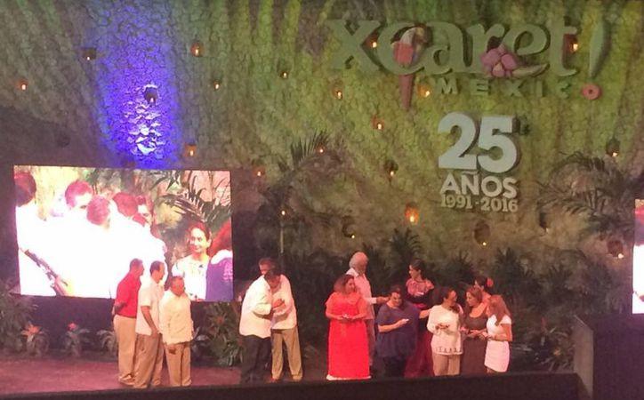 Colaboradores y empresarios estuvieron en el festejo. (Jesús Tijerina/SIPSE)