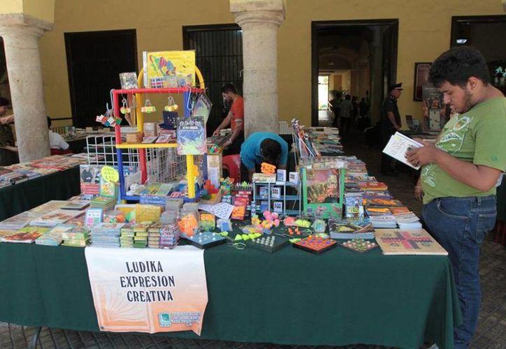 Desde el pasado viernes y hasta el próximo domingo 20, se puede encontrar la Feria Municipal del Libro de 9:00 a 21:00 horas en los bajos del Palacio Municipal de la capital yucateca. (AP)