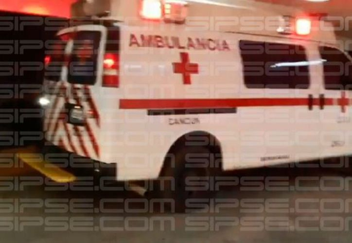Paramédicos de la Cruz Roja atendieron a los lesionados. (Redacción/SIPSE)