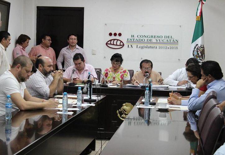 Diputados analizan los informes sobre la Cuenta Pública 2012 que remitió la Auditoría Superior del Estado de Yucatán. (SIPSE)