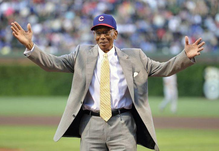 Ernie Banks, uno de los mayores ídolos de Cachorros de Chicago, en foto correspondiente a agosto del año pasado. (Foto:  AP)