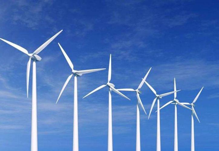 Los diez países con mejores avances en energías verdes son China, Brasil, Sudáfrica, India, Chile, Uruguay, Kenia, México, Indonesia y Uganda. Imagen de una Planta eólica en el país. (Archivo/SIPSE)