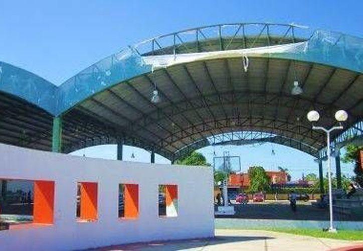 El domo del Parque de las Casitas fue ocupado para un acto proselitista, mermando la actividad deportiva capitalina. (Facebook)