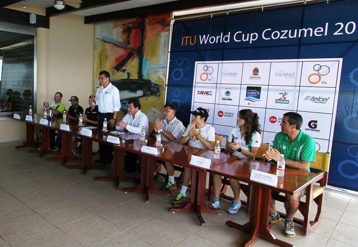 En conferencia de prensa, indicaron que en el evento participarán mil 200 atletas. (Cortesía/SIPSE)