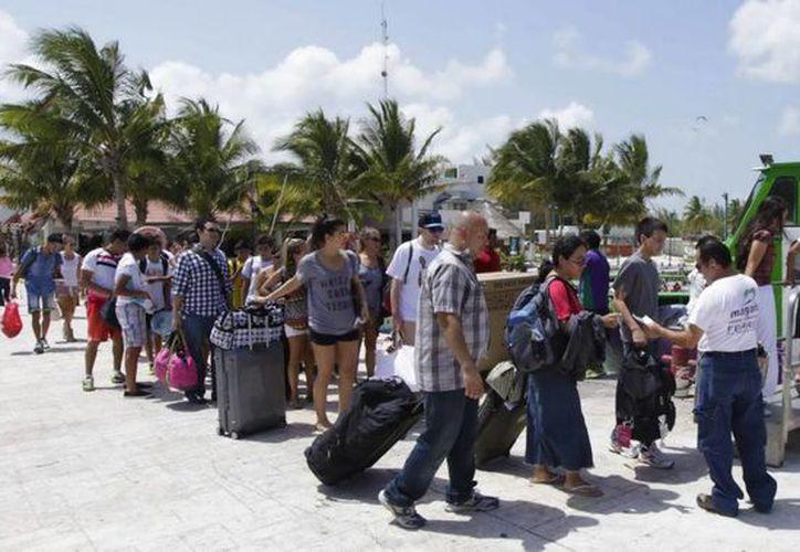 De enero a la fecha Isla Mujeres ha recibido más de un millón 700 mil pasajeros marítimos. (Redacción/SIPSE)