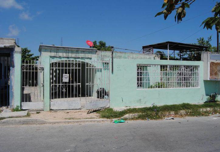 La vivienda que fue abandonada por la familia. (Redacción/SIPSE)