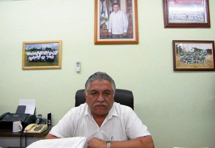 Jervis García: se evitará que a los empleados les descuenten el día de trabajo por pedir la incapacidad. (Jaime Tetzpa/SIPSE)