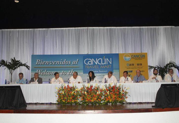 Desarrollan la XXVII edición del Cancún Travel Mart México Summit 2014 en el Centro de Convenciones. (Israel Leal/SIPSE)