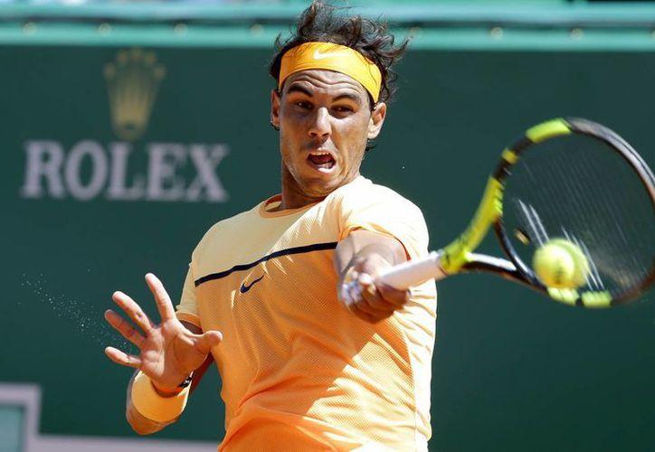 Rafael Nadal, que en los últimos dos años ha tenido muchos altibajos deportivos, calificó este viernes a la semifinal del Masters de Montecarlo. (AP)