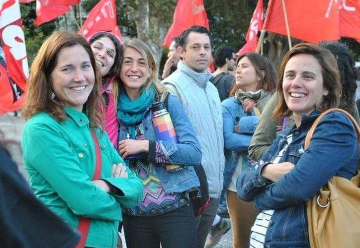 Lucía Inés Gorricho (izq), educadora popular y comunicadora social feminista. (Foto Twitter: @gorricholucia)