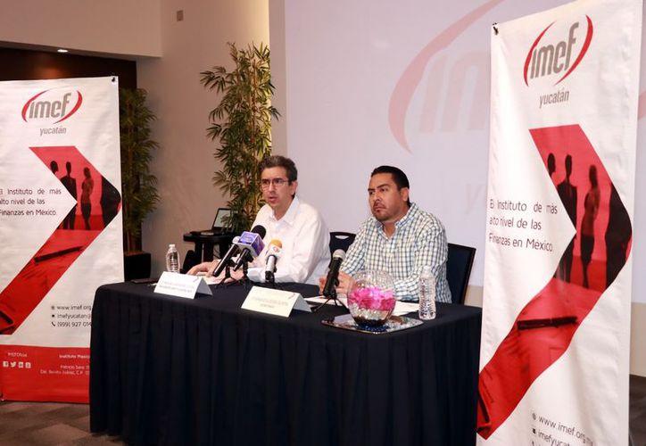 José Francisco Álvarez Cuevas, presidente local del IMEF, habló de la previsión económica para los próximos tres meses. (Jorge Acosta/ Milenio Novedades)
