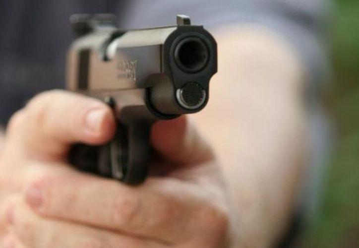 Un par de personas dispararon contra el joven para quitarle un  celular y una cadena de oro. (Foto: Contexto)