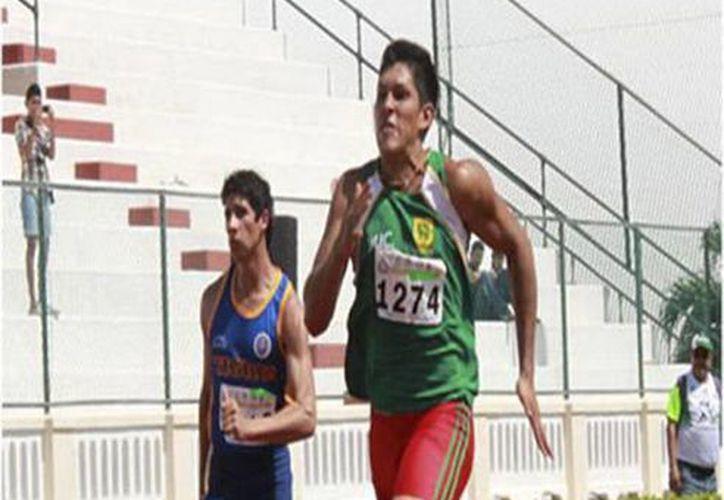 Daniel Manrique Durán asistió a la competencia en Argentina. (Milenio Novedades)
