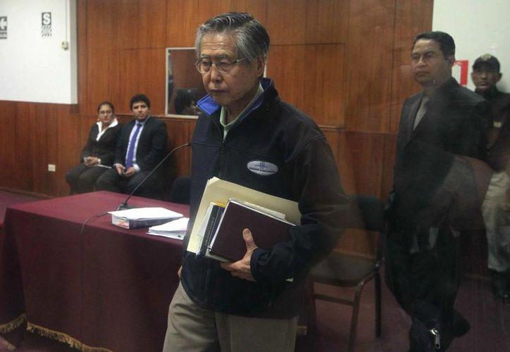 El ex presidente peruano Fujimori cuenta ahora con 76 años de edad y fue sentenciado a 25 años de prisión. (Archivo/EFE)