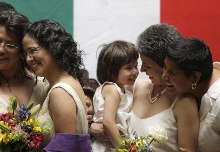 En septiembre, el Congreso mexicano vuelve a discutir la agenda legislativa y uno de sus pendientes será el matrimonio igualitario. (expansion.mx)