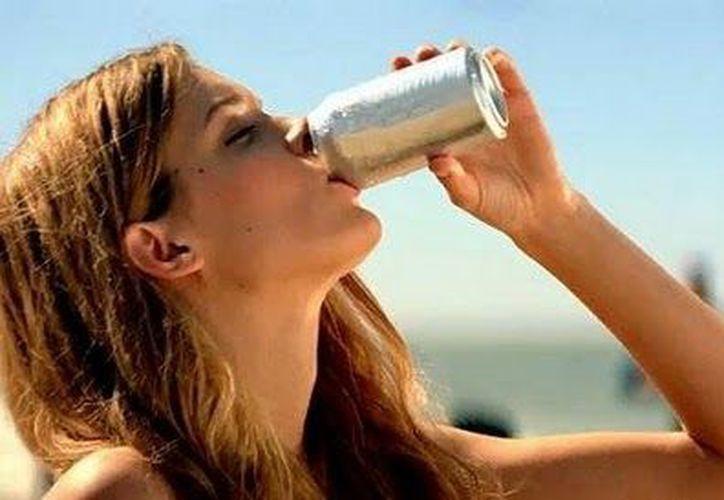 Las probabilidades de tener depresión aumentan mientras más dietéticas las bebidas. (blogspot.mx)