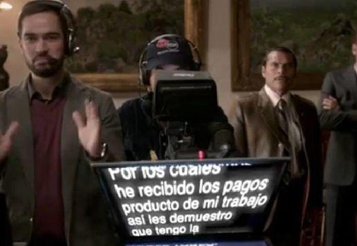 La Dictadura Perfecta no dudó en actualizarse y hacer una parodia al mensaje de Angélica Rivera sobre la adquisición de la 'casa blanca'. (Captura de pantalla de YouTube)