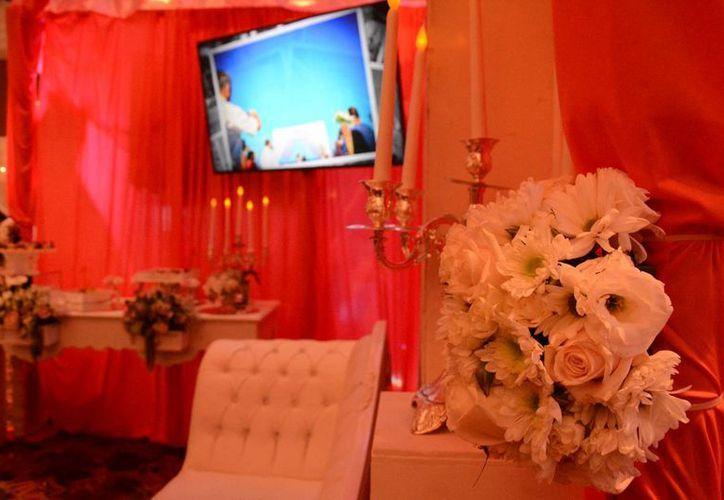 Los proveedores expusieron sus opciones para la realización de su ceremonia en Cancún. (Victoria González/SIPSE)
