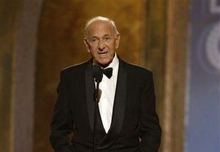 Klugman, perdió la voz debido a un cáncer de garganta en la década de 1980. (Agencias)