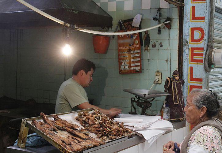 Profeco realiza operativo en pescaderías y marisquerías de la entidad. (Milenio Novedades)