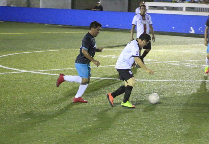 La cancha de pasto sintético de la Unidad Deportiva José Guadalupe Romero Molina albergó las actividades de este circuito de ascenso. (Miguel Maldonado/SIPSE)