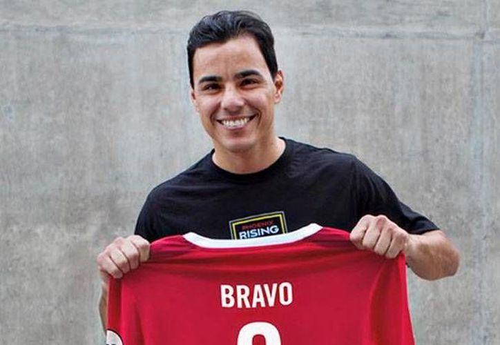 Omar Bravo jugará su segunda temporada en el futbol de EU, luego de convertirse en el máximo goleador de las Chivas de Guadalajara.(Foto tomada de Twitter/ PHXRisingFC)