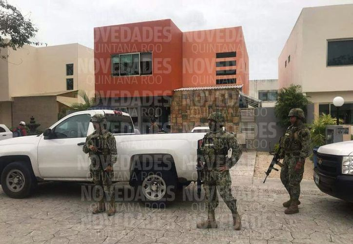 Marina y personal de la Procuraduría General de la Republica (PGR) catearon hogares en Chetumal. (SIPSE)