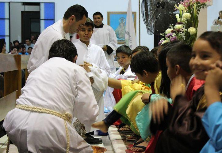 El comité organizador prepara las actividades de la Semana Santa. (Octavio Martínez/SIPSE)