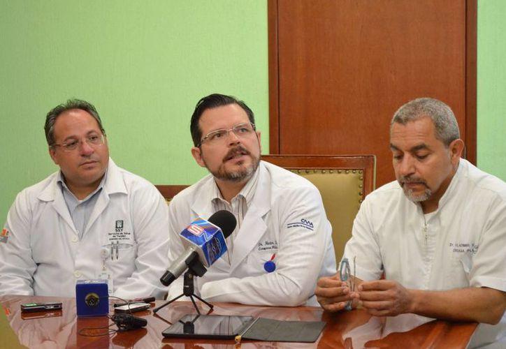 En rueda de prensa se dieron pormenores de la jornada de cirugías. (Milenio Novedades)