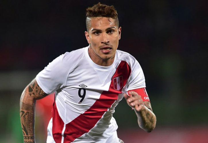 Paolo Guerrero, delantero peruano podrá ser considerado para jugar en el Mundial de Rusia 2018. (SIPSE)