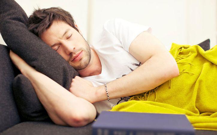 Si deseas dormir rico, debes evitar tomar alcohol y hacer ejercicio en la noche. (Foto: Contexto/Internet)
