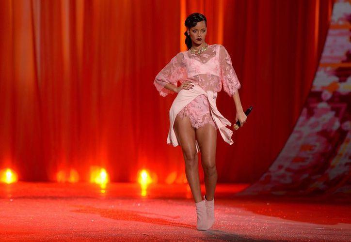 La cantante Rihanna durante la Pasarela Victoria's Secret 2012, en Nueva York. (EFE/Archivo)