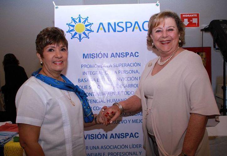 Luz María Valero de Buenfil, presidenta de Anspac, y Margarita Díaz Rubio de Ponce, presidenta fundadora de la organización civil. (Jorge Acosta)