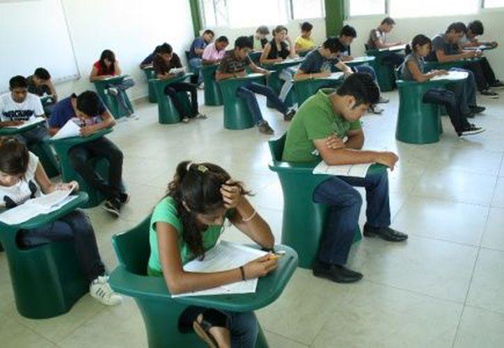 Los cursos se ofrecen en cualquiera de los 3 planteles del Conalep. (Foto: Novedades Yucatán)