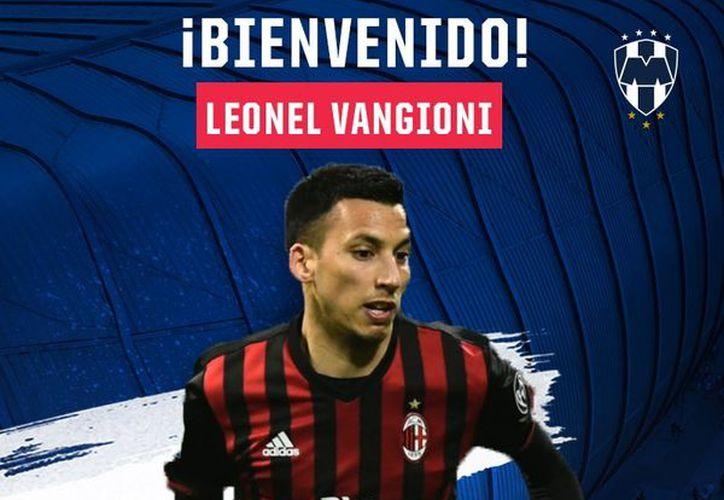 Vangioni, de 30 años, se desempeña como lateral izquierdo y llega procedente de la Serie A de Italia. (Twitter).