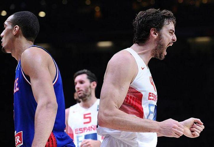 Serbia, Filipinas e Italia serán sedes de partidos de basquetbol clasificatorios para los Juegos Olímpicos de este año. En la foto, Pau Gasol, de la Selección de España. (nba.com)