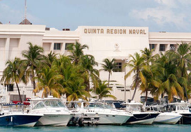 Se entregaron Condecoraciones de perseverancia por años interrumpidos en el Servicio Activo de la Armada de México. (Foto: Archivo/Cortesía)