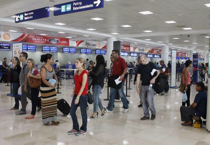Los hoteles del destino darán facilidades a los turistas afectados. (Francisco Gálvez/SIPSE)