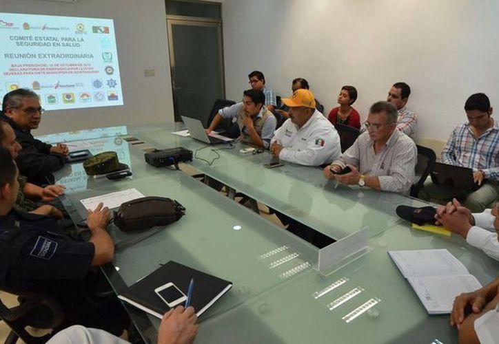 Los comités buscan prevenir las enfermedades que se pudieran ocasionar después de las lluvias. (Redacción/SIPSE)