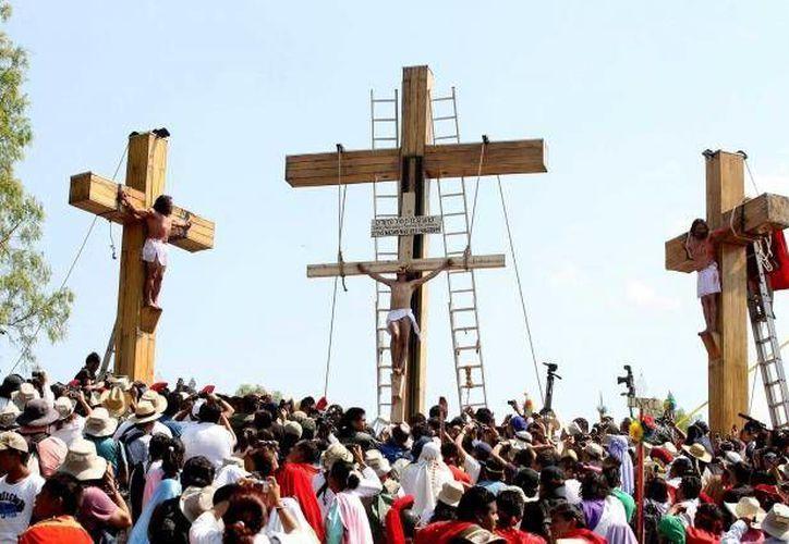 Vigilarán la seguridad de los asistentes a la representación religiosa. (Agencias)
