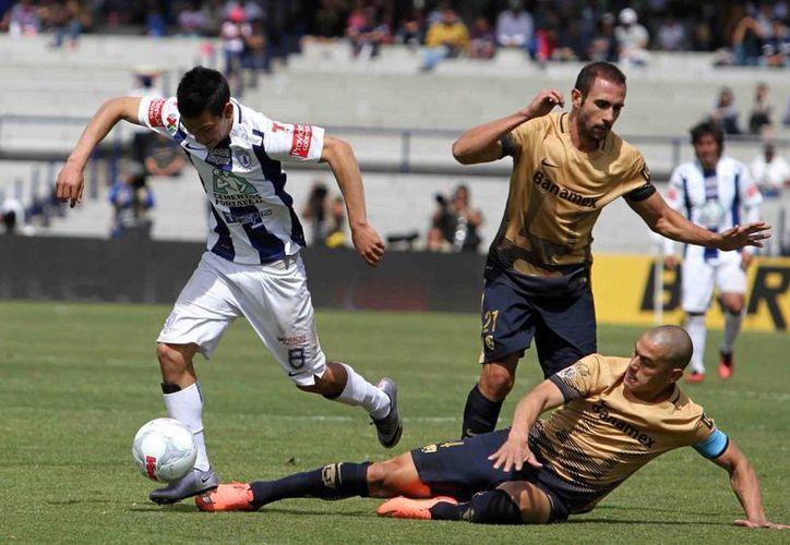 Foto de contexto de Pumas de la UNAM frente a los Tuzos del Pachuca, este domingo en el Estadio Olímpico de Ciudad Universitaria, en la jornada cinco del Torneo Clausura 2016. (Archivo/Notimex)