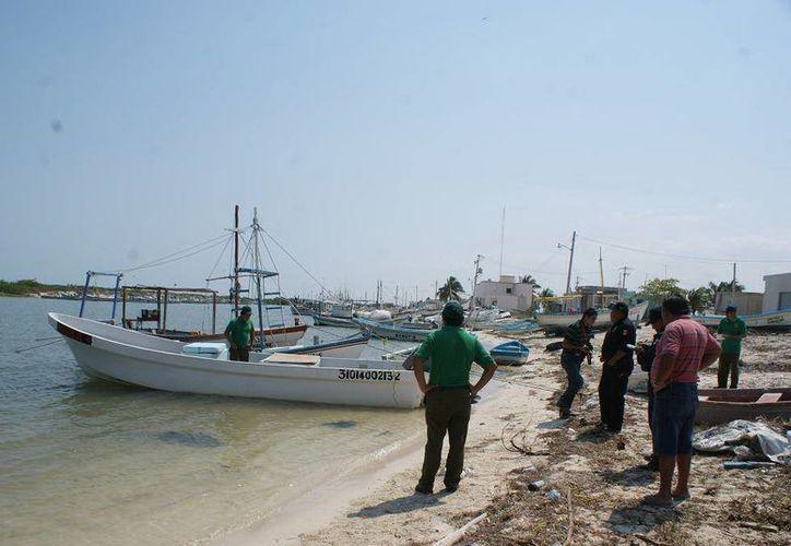 El pescador se extravió el jueves pasado al este del arrecife Alacranes. (SIPSE)
