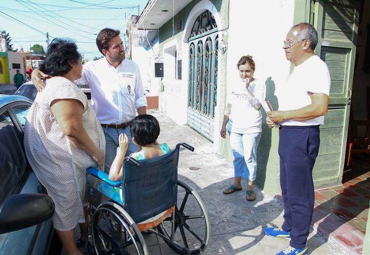 Pablo Gamboa ofrece que de llegar al Cámara de Diputados impulsará proyectos que incluyan a las personas con discapacidad. (SIPSE)