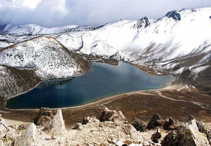 """En el área de protección de flora y fauna """"Nevado de Toluca"""" no se podrá autorizar la fundación de nuevos centros de población. (conservacion,org.mx)"""