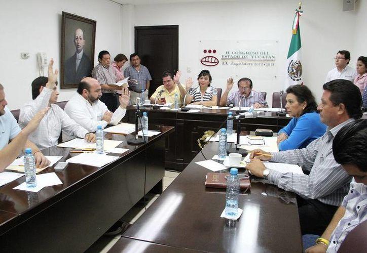 Con el voto en contra de los panistas, diputados aprueban en comisiones los dictámenes de la Cuenta Pública 2012. (SIPSE)