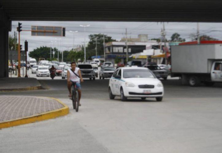 Verificarán las entradas económicas que tienen los taxistas. (Octavio Martínez/SIPSE)