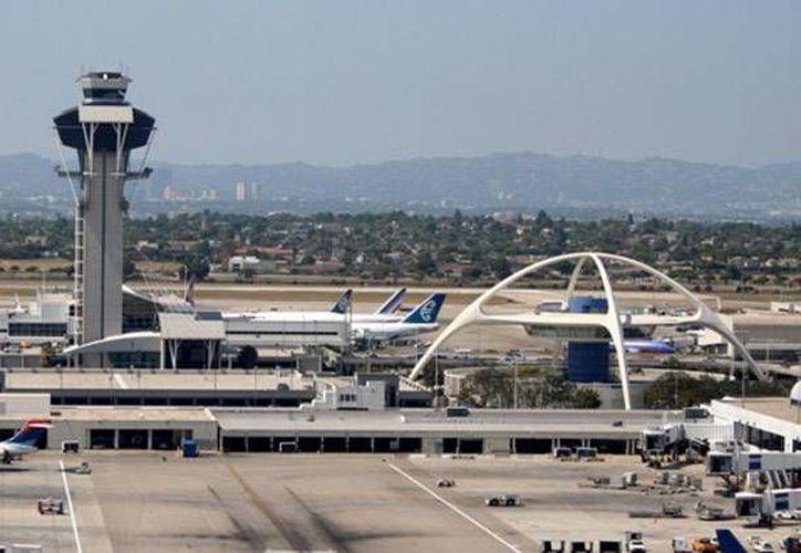 Imagen del aeropuerto de Los Angeles. (Archivo/Reuters)